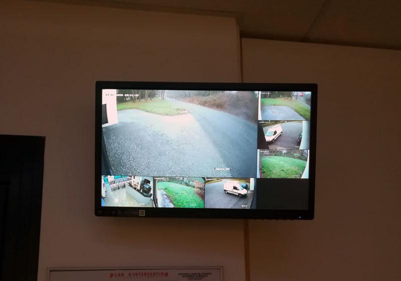Installation écran de surveillance
